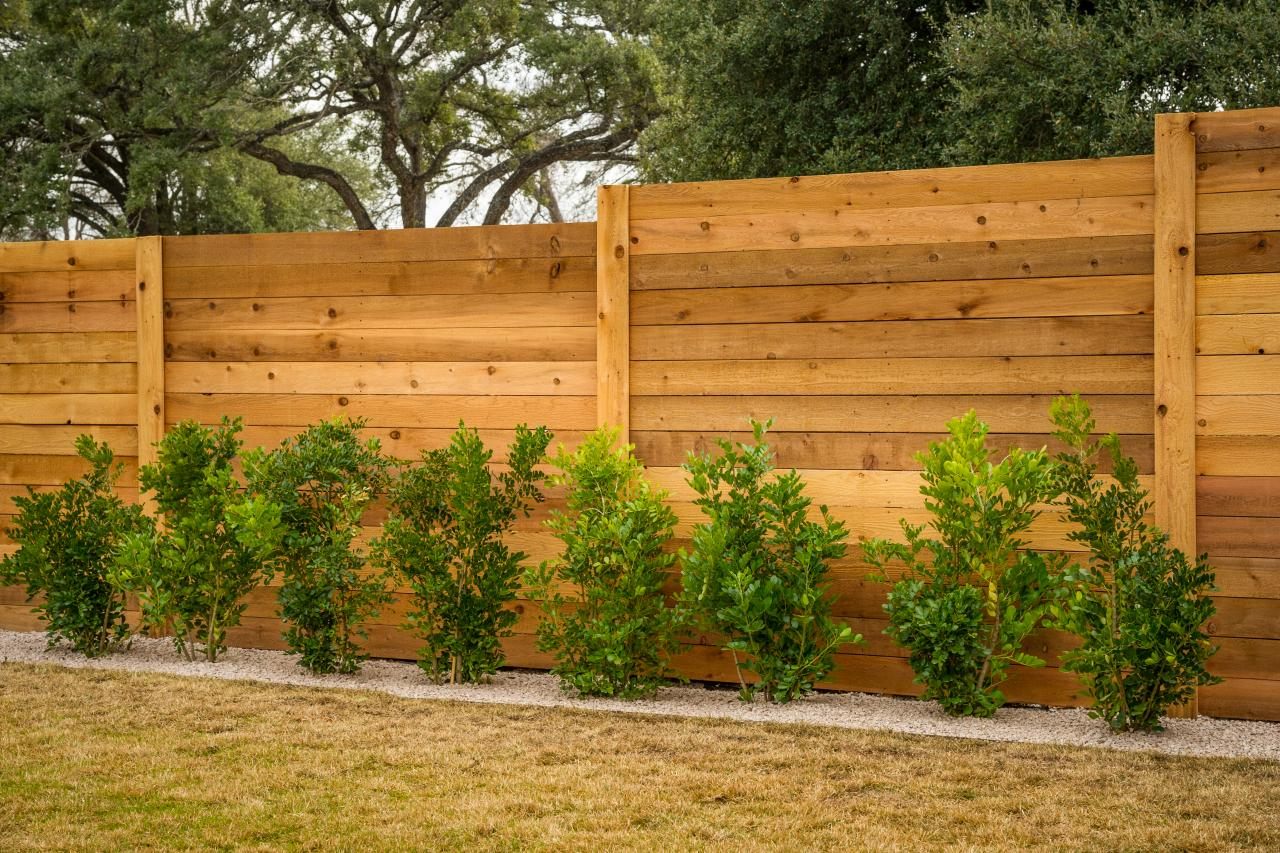 San Diego Fence & Gate Installation Contractors - Vinyl Fences, Wood Fences, Aluminum Fences, PVC Pergola, Repairs & Replacement, Gates- 26-We do Residential & Commercial Fence Installation, Fencing Repairs and Replacements, Fence Designs, Gate Installations, Pool Fencing, Balcony Railings, Privacy Fences, PVC Fences, Wood Pergola, Aluminum and Chain link, and more